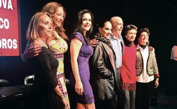 Hijas De Su Madre at Moore Theatre