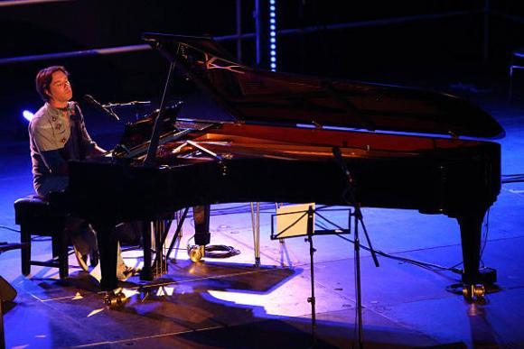 Rufus Wainwright at Moore Theatre
