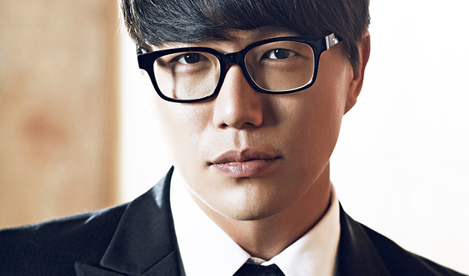 Sung Si-kyung at Moore Theatre